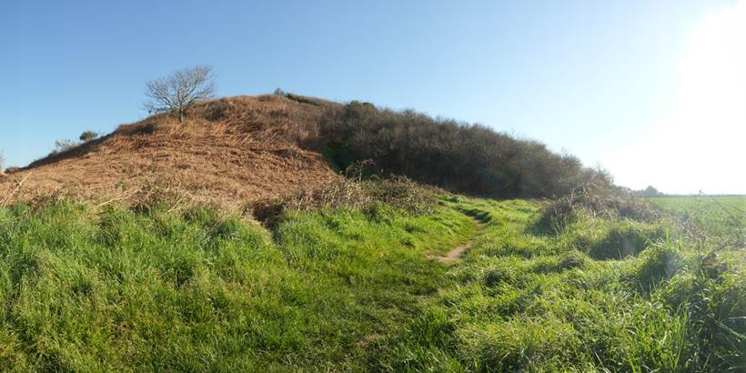 C. WACTAUSEN Tumulus de Tumiac ou Butte de C�sar Arzon (1) - Morbihan Bretagne Sud