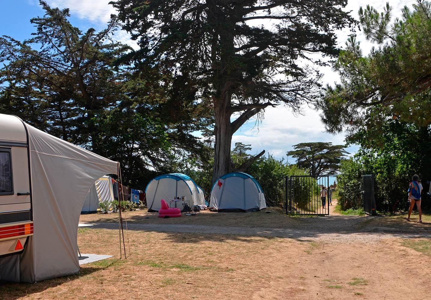 Camping Ker Eden  accès direct à la mer ©