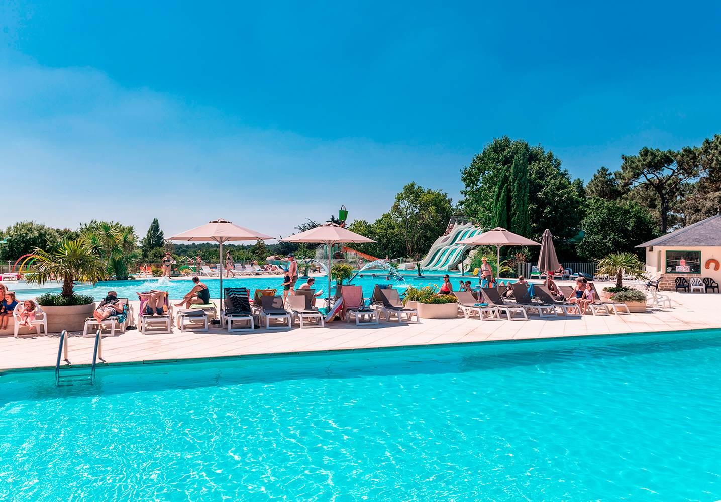 Le bassin de natation ©