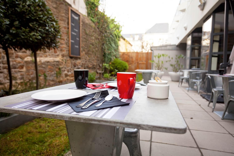 Terrasse restaurant Côté Patio Vannes ©
