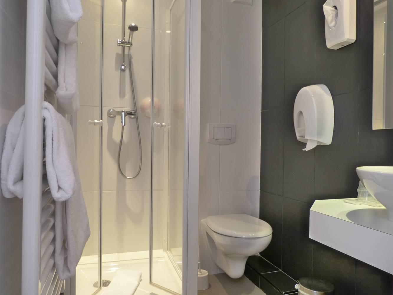 Salle de bain © Hotel Port Haliguen Quiberon