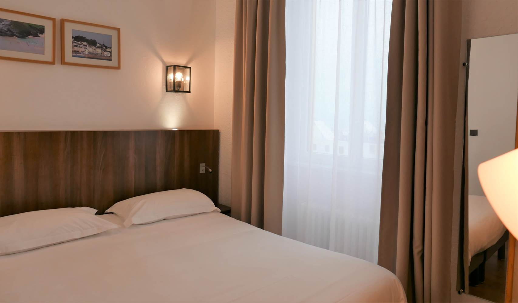 hotel-de-bretagne-chambre-ville-lit-double (2) ©