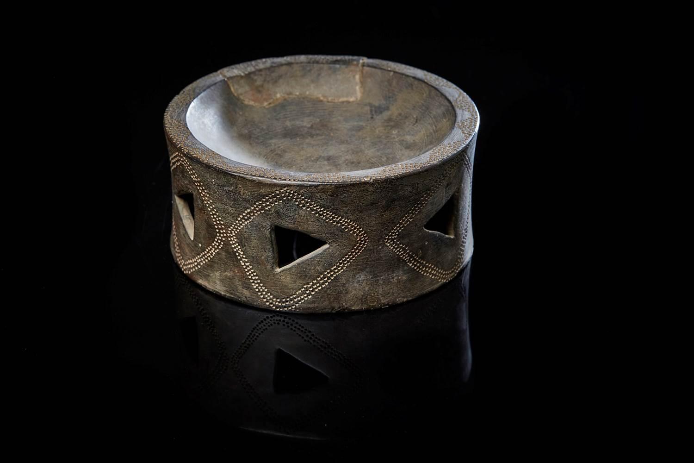 Brûle-parfum néolithique provenant de l'île d'Er Lannic (Arzon, 56) ©L. Rannou ©