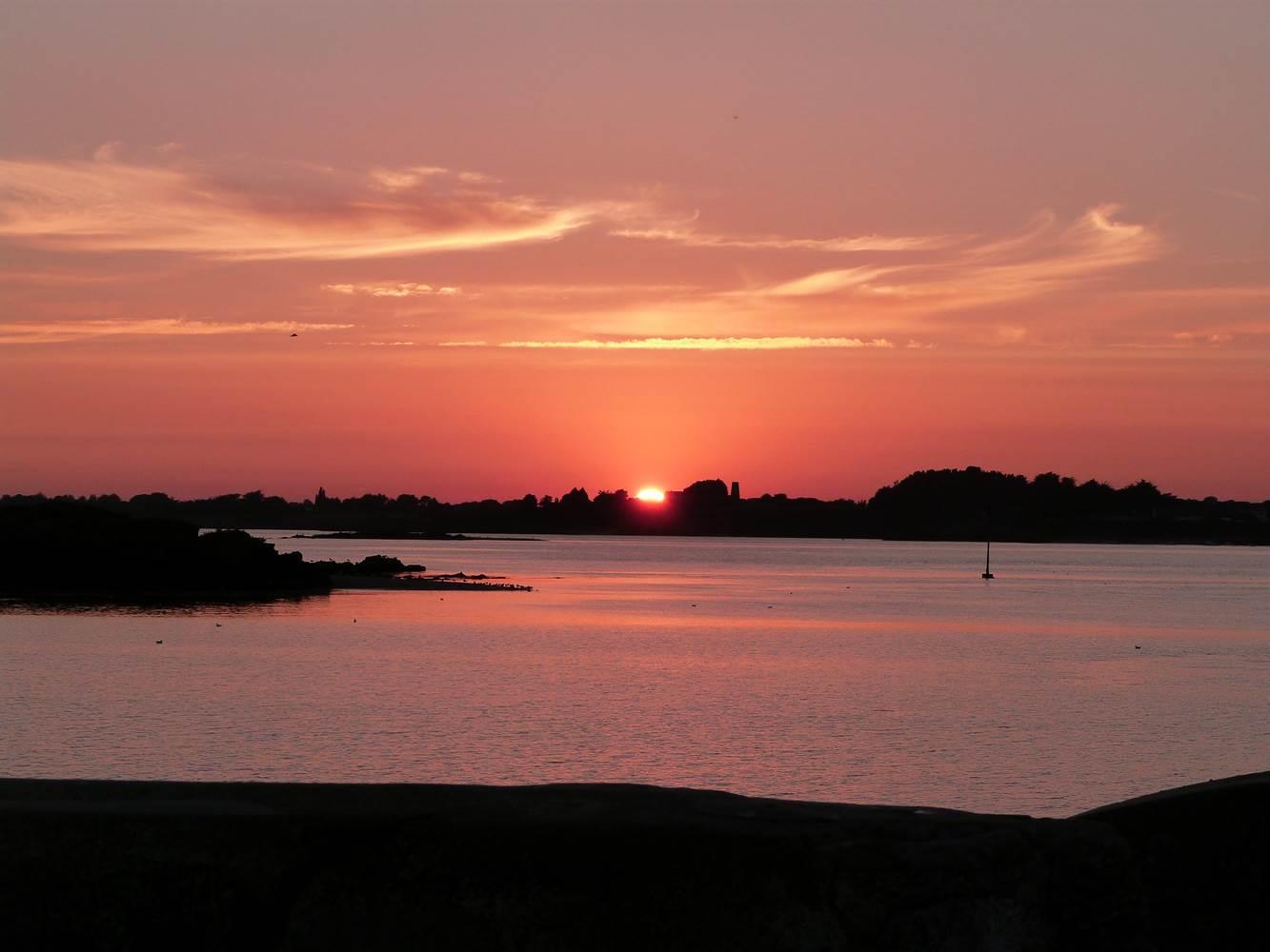 coucher de soleil à Billiers ©