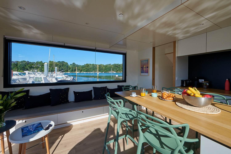 Lodge boat Lorient | espace cuisine ©